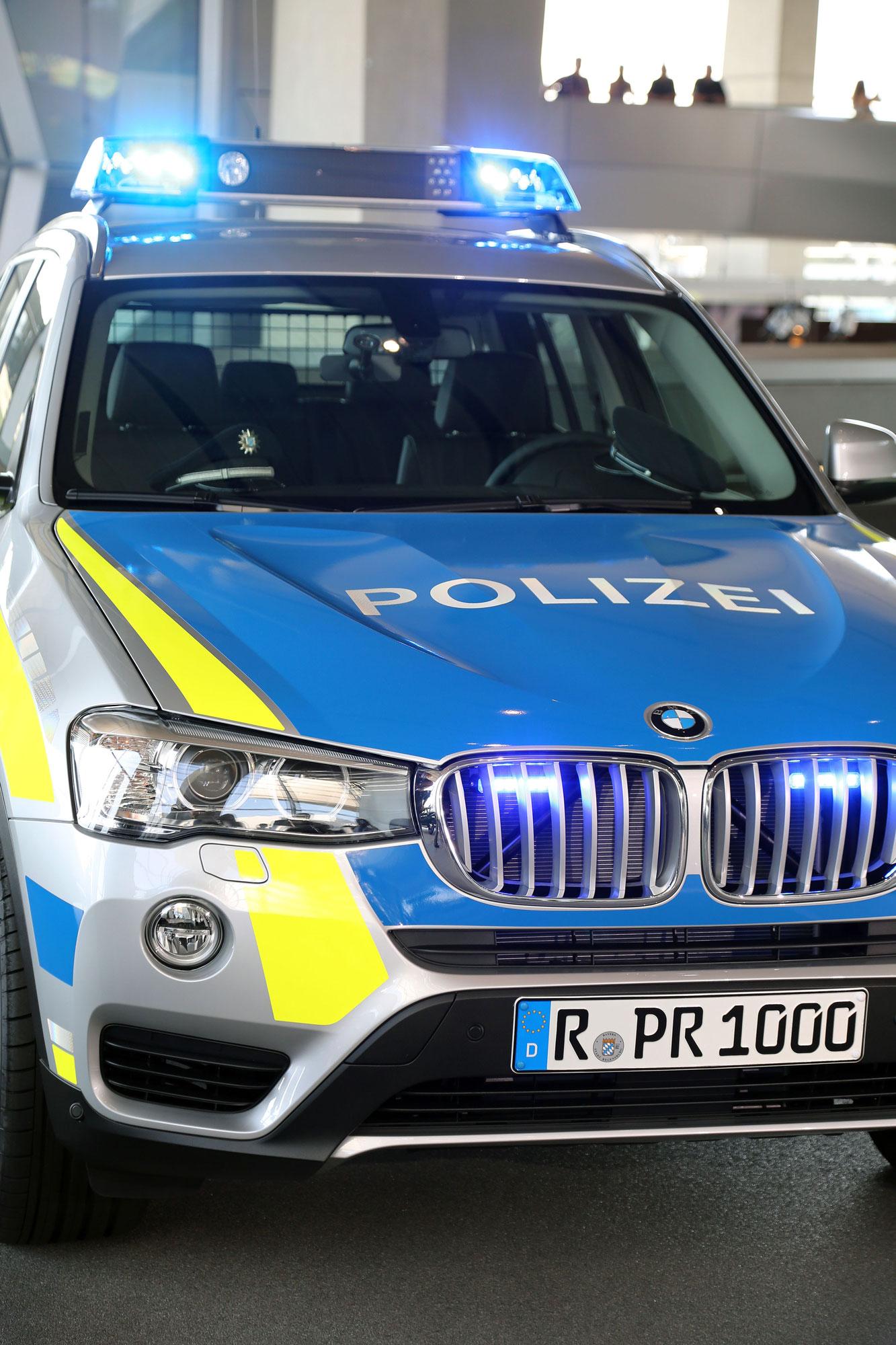 Bayerische Polizei F 228 Hrt Ab Jetzt Blau